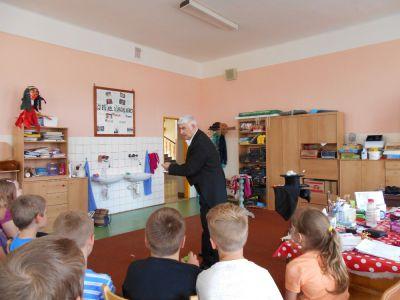 Kouzelník ve školní družině