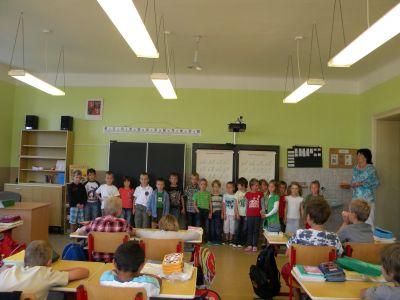 Žáci I.A poznávají  školu.
